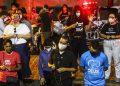 Grupo antiaborto faz ato na frente do hospital em que a menina estava internada - Foto: Bruna Costa/DP FOTO/Folhapress
